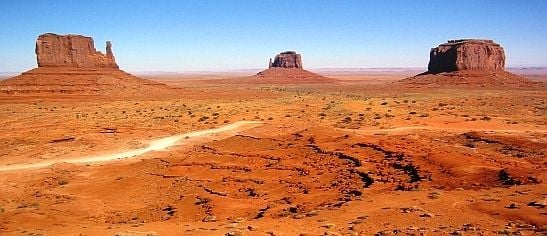 Gouldings_lodge_monument_valley