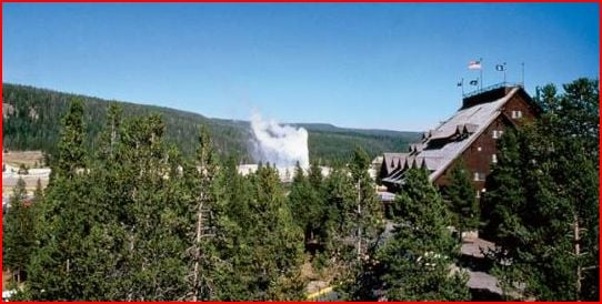 old_faithful_inn_yellowstone